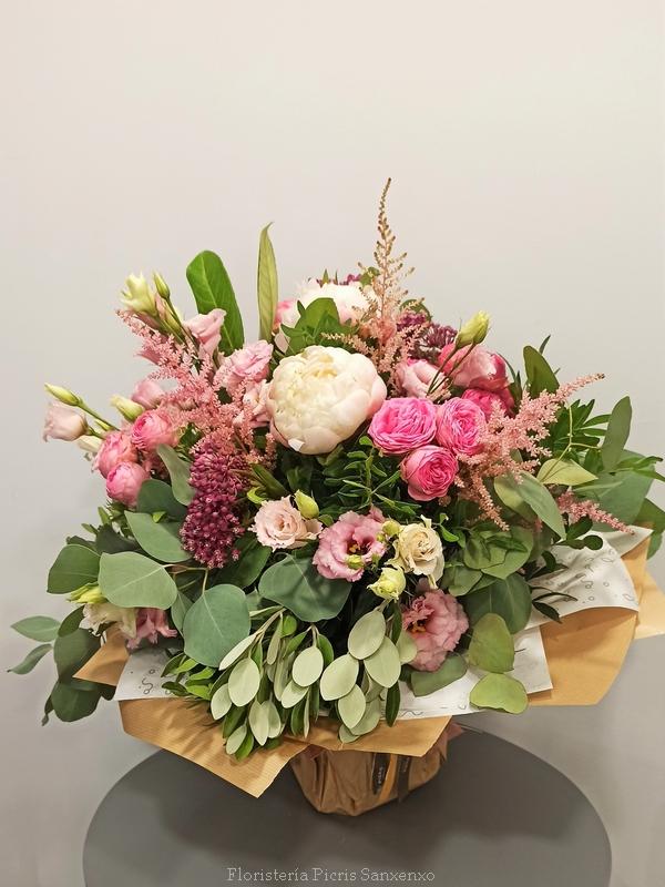 Ramo de flores de color rosa
