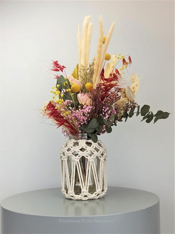 Flores Secas con Macramé
