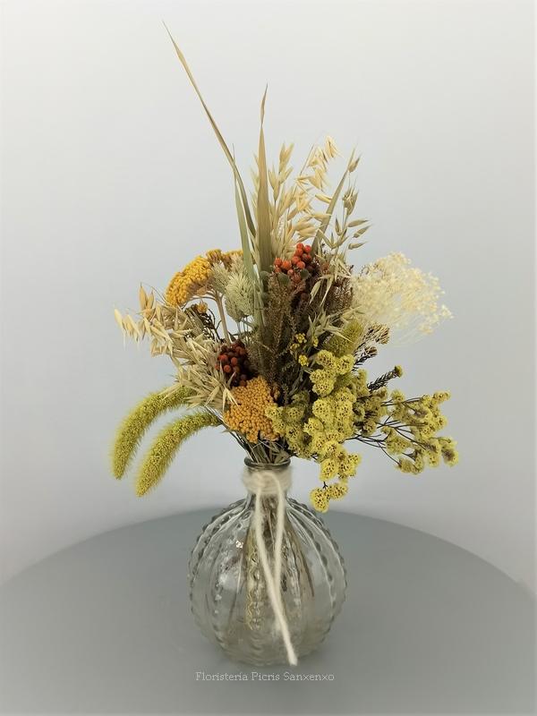 ramo flores secas tonos amarillos y ocres